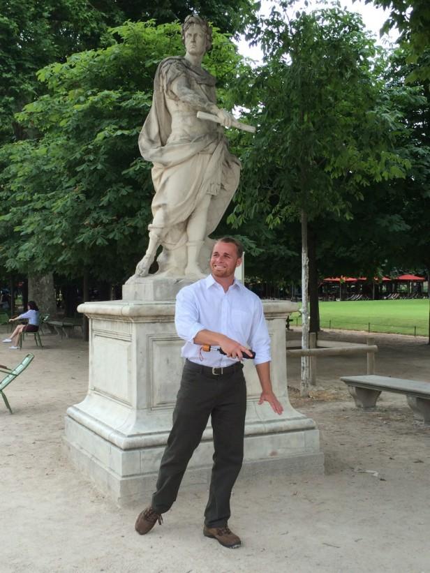 Walking to the Arc de Triumph